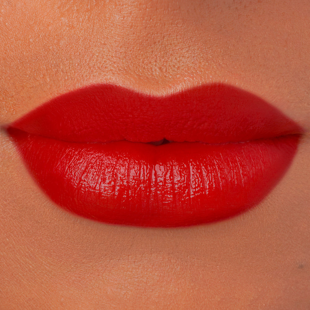 Devil's Claw natural red lipstick cruelty free makeup swatch