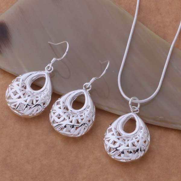 Necklace and Earrings Set Silver Plated
