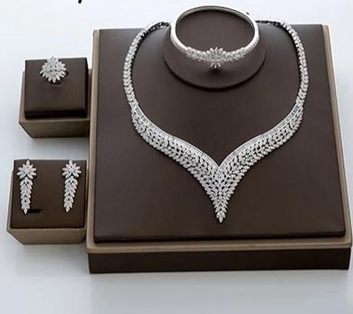Ritzy Flower Shape Jewelry Set For Women