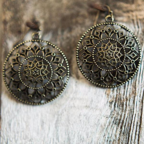 FOLIAGE DISK EARRING | THIN