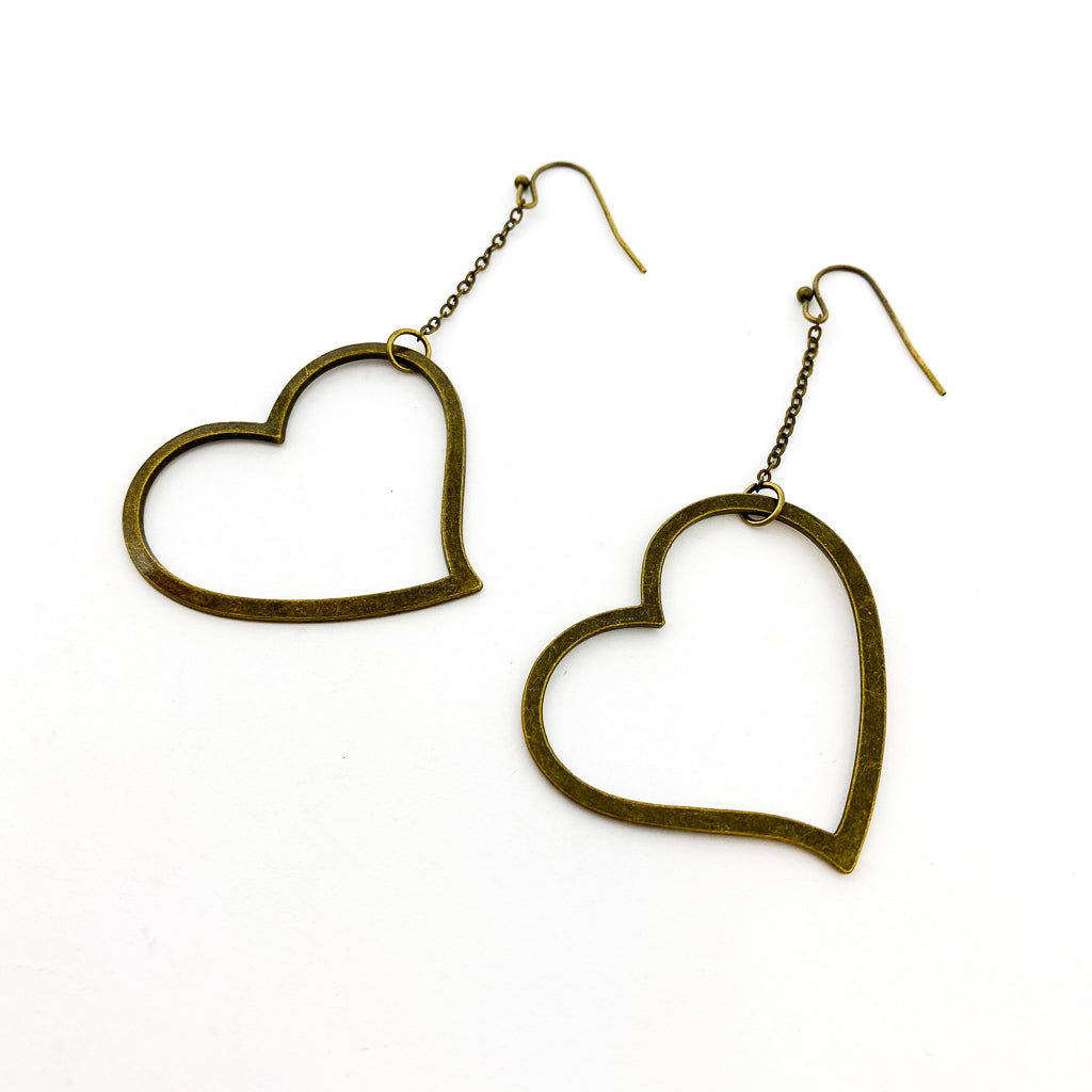 HANGING HEART EARRINGS | BRONZE