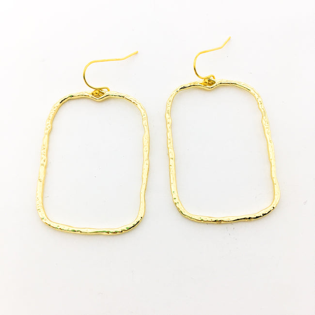 TWISTED HAMMERED WIDE RECTANGLE EARRINGS | GOLD