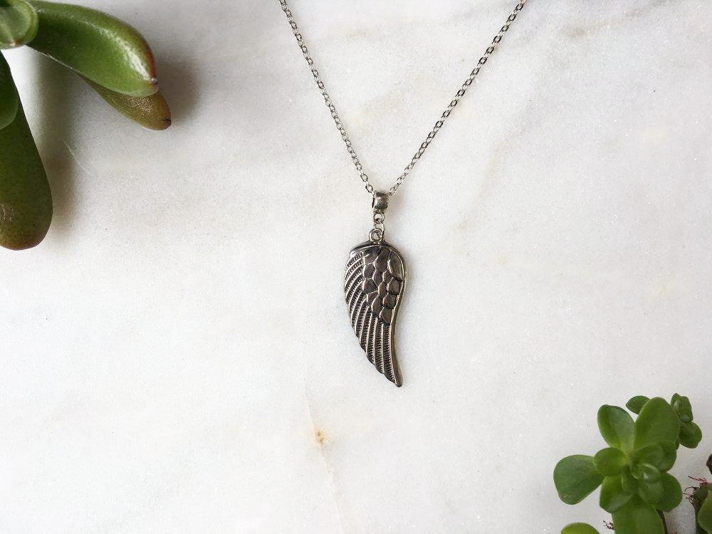SMOOTH SILVER ANGEL'S WING NECKLACE