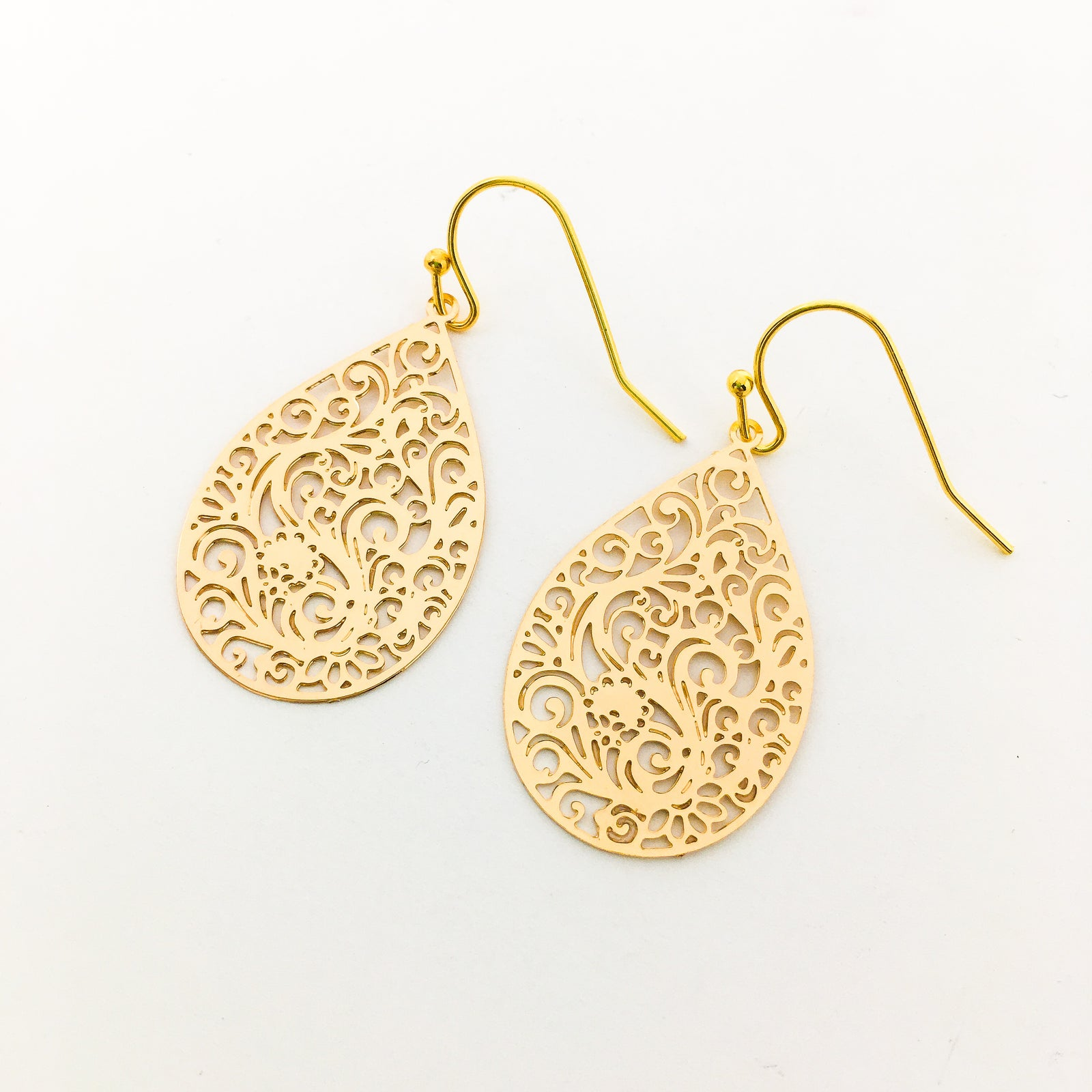 FLORAL PATTERN SOLID DROP EARRINGS | GOLD