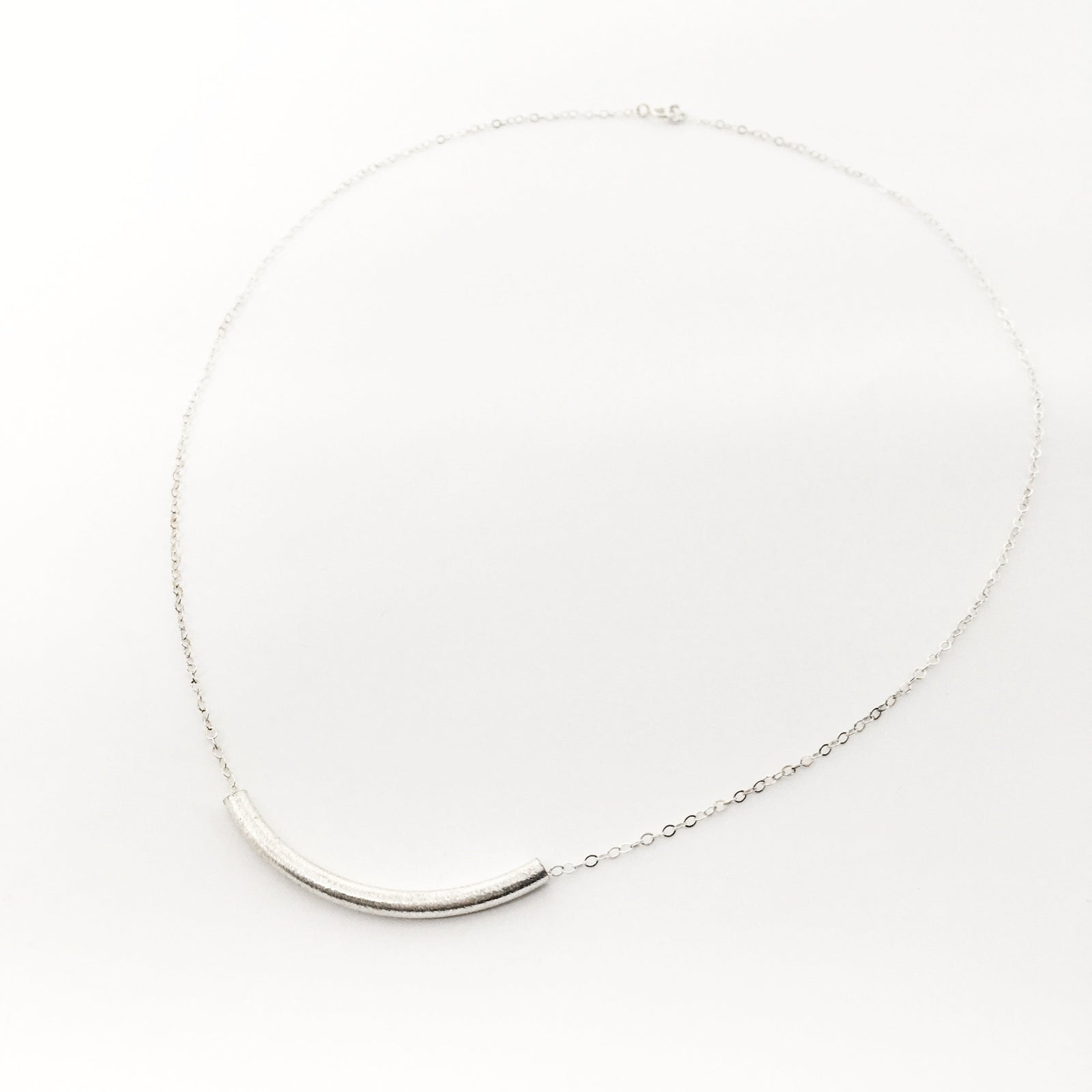 BRUSH CURVED BAR NECKLACE | STERLING SILVER