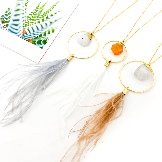 LONG FEATHER AND STONE HANGING NECKLACE | STYLE OPTIONS
