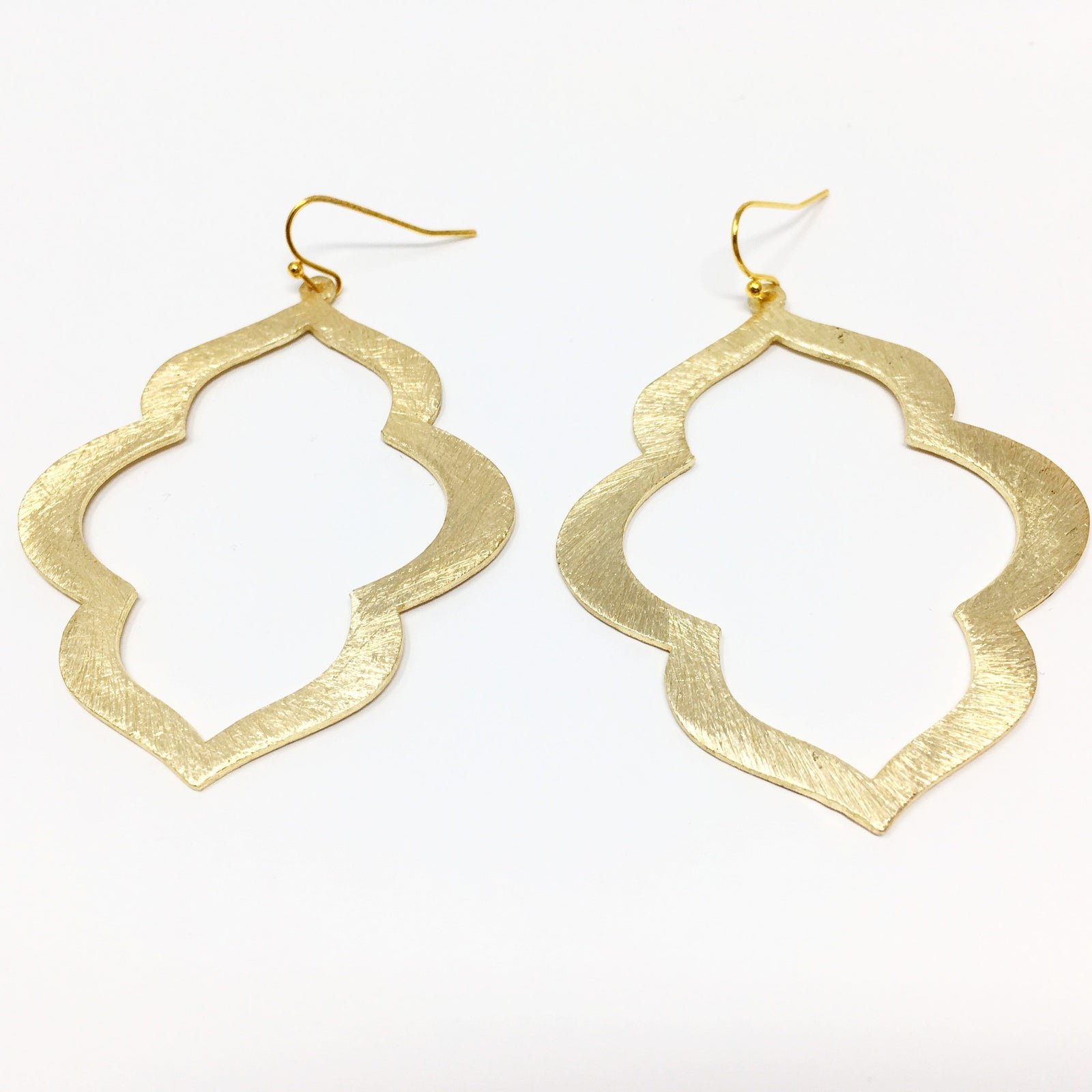 BRUSHED OGEE EARRINGS | GOLD