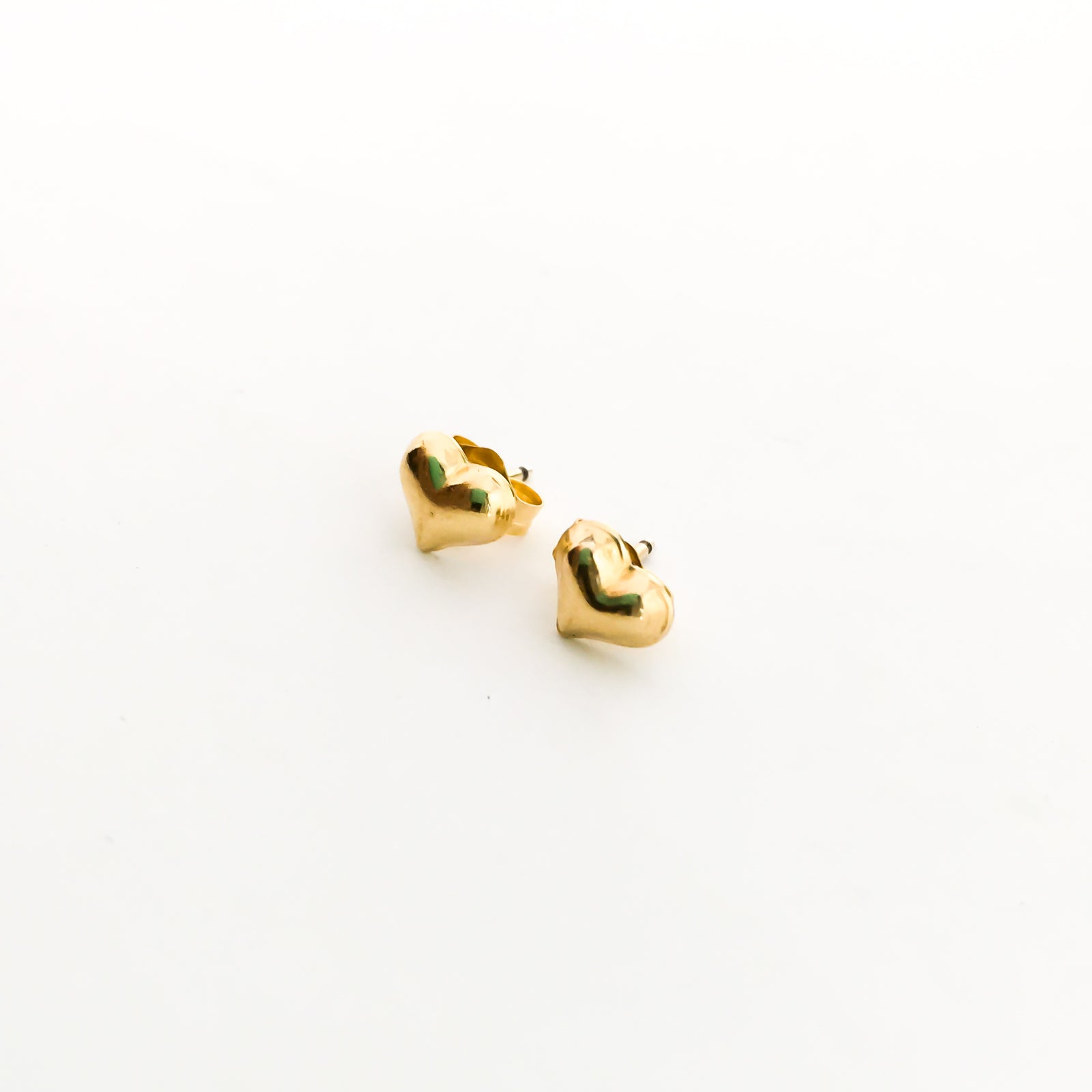 HEART STUD EARRINGS | 14K GOLD-FILLED