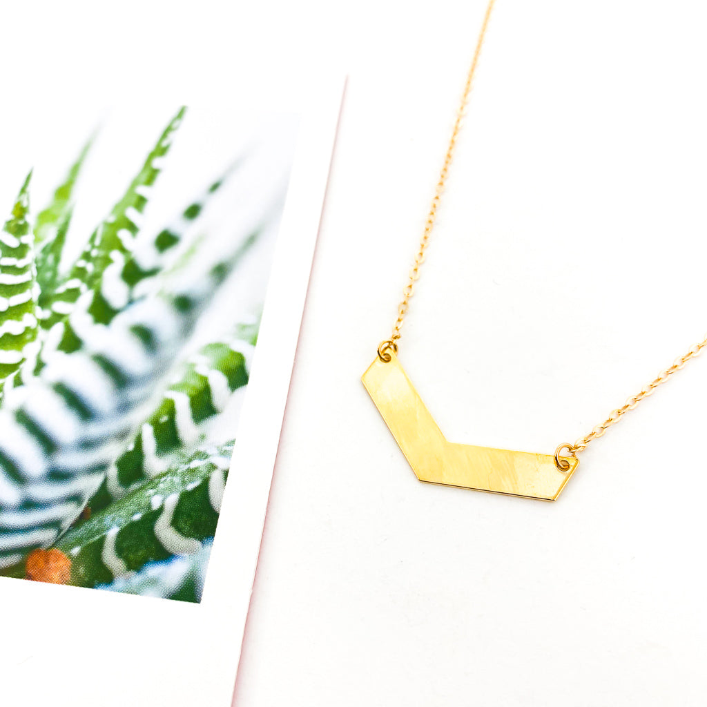 HANGING CHEVRON NECKLACE | GOLD