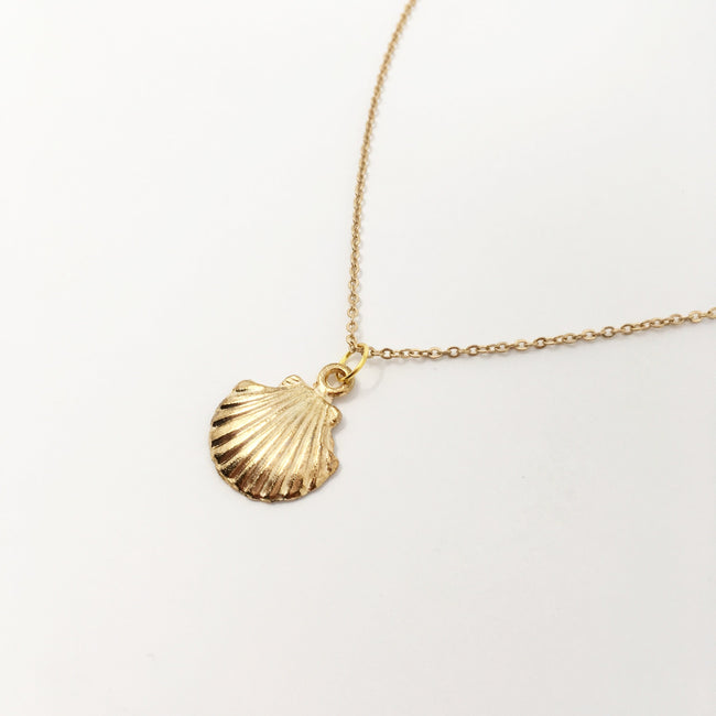 BAY SEASHELL NECKLACE | GOLD