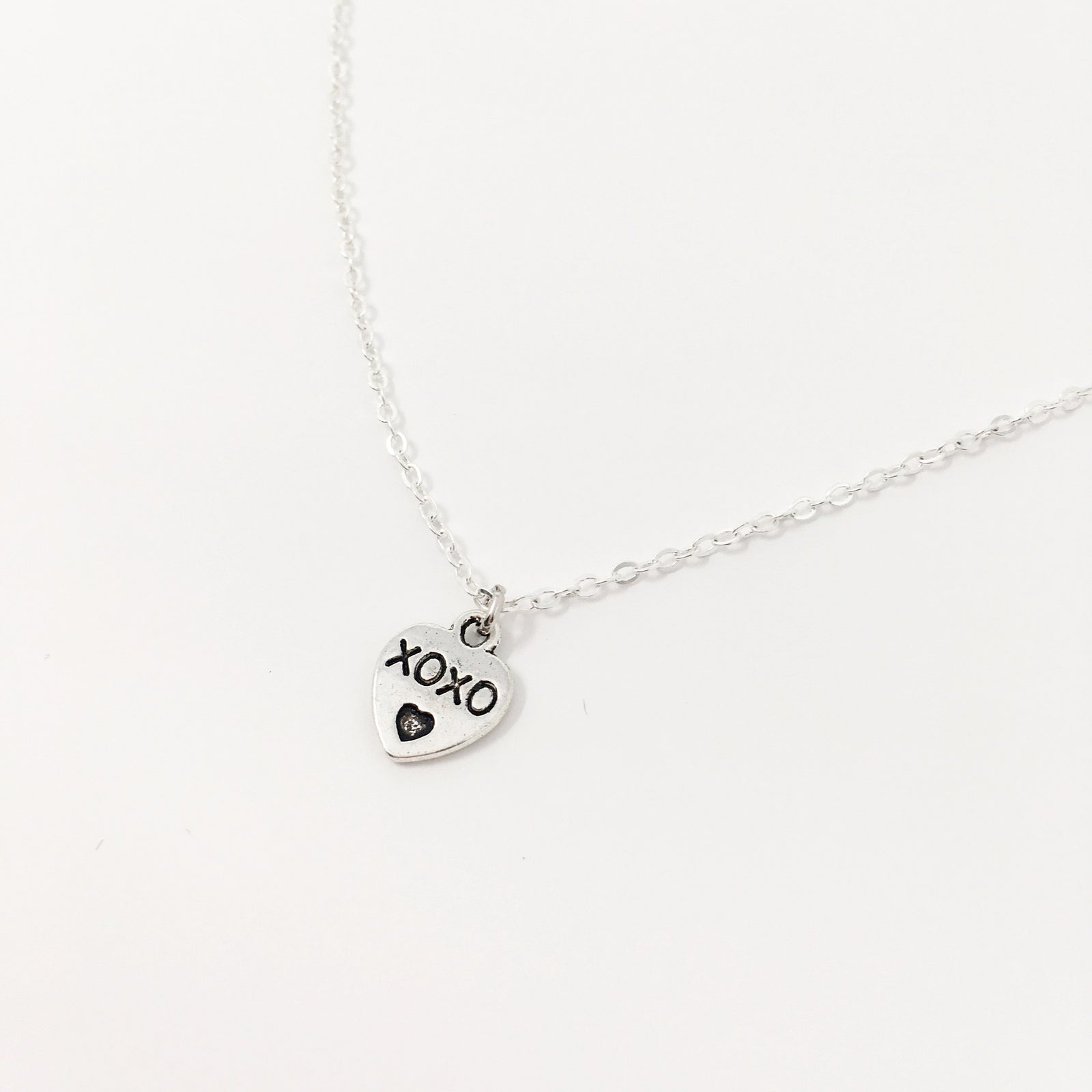 DOUBLE SIDED XOXO MOM NECKLACE