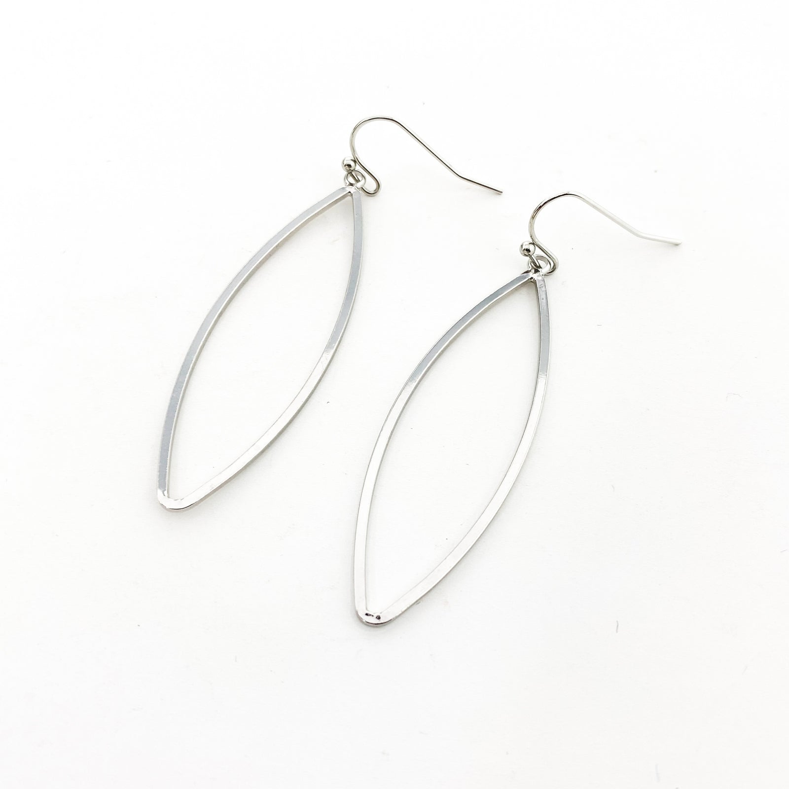 HOLLOW MARQUISE EARRINGS | RHODIUM SILVER