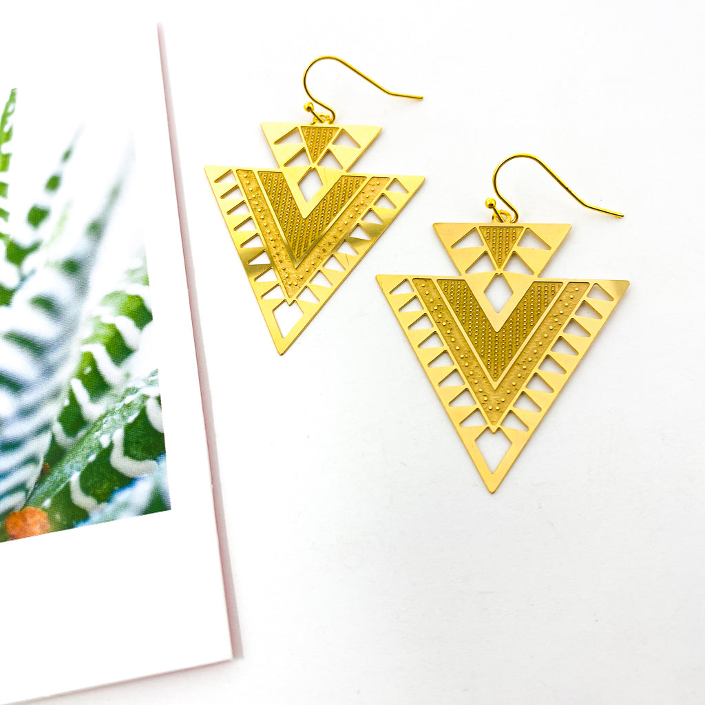 AZTEC TRIANGLE PATTERN EARRINGS | GOLD