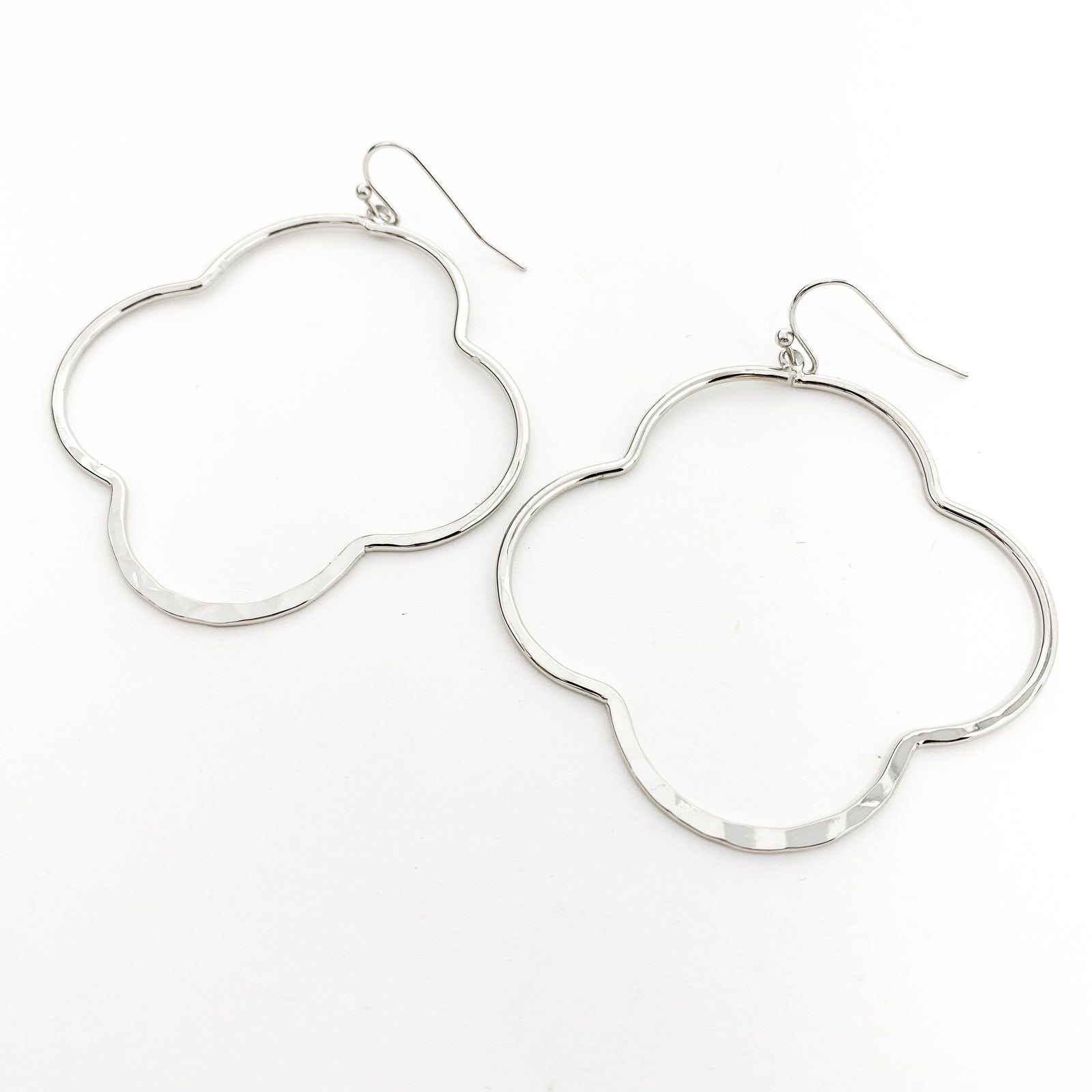 HAMMERED VAN CLEEF EARRINGS | RHODIUM SILVER | SIZE OPTIONS