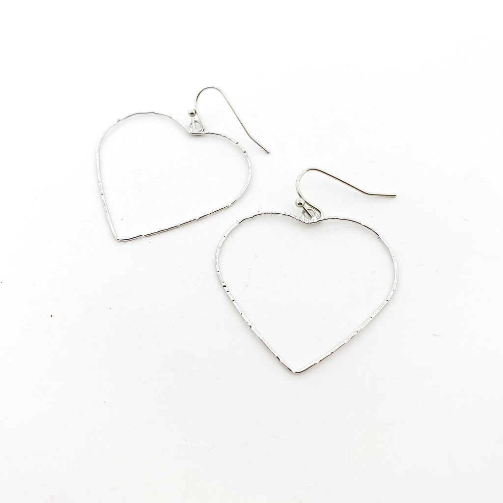 TWISTED LARGE HEART EARRINGS | SILVER