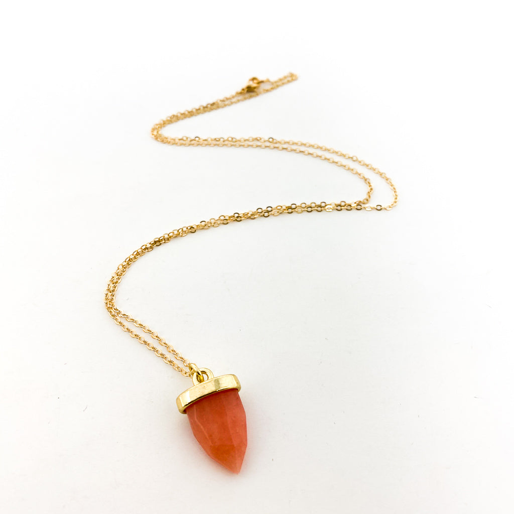 SMOOTH PINK STONE NECKLACE | GOLD