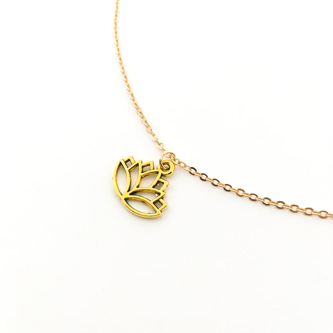 SMALL LOTUS FLOWER NECKLACE | GOLD