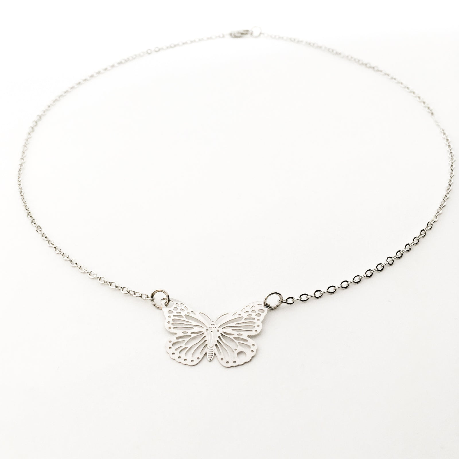 DAINTY BUTTERFLY NECKLACE | SILVER