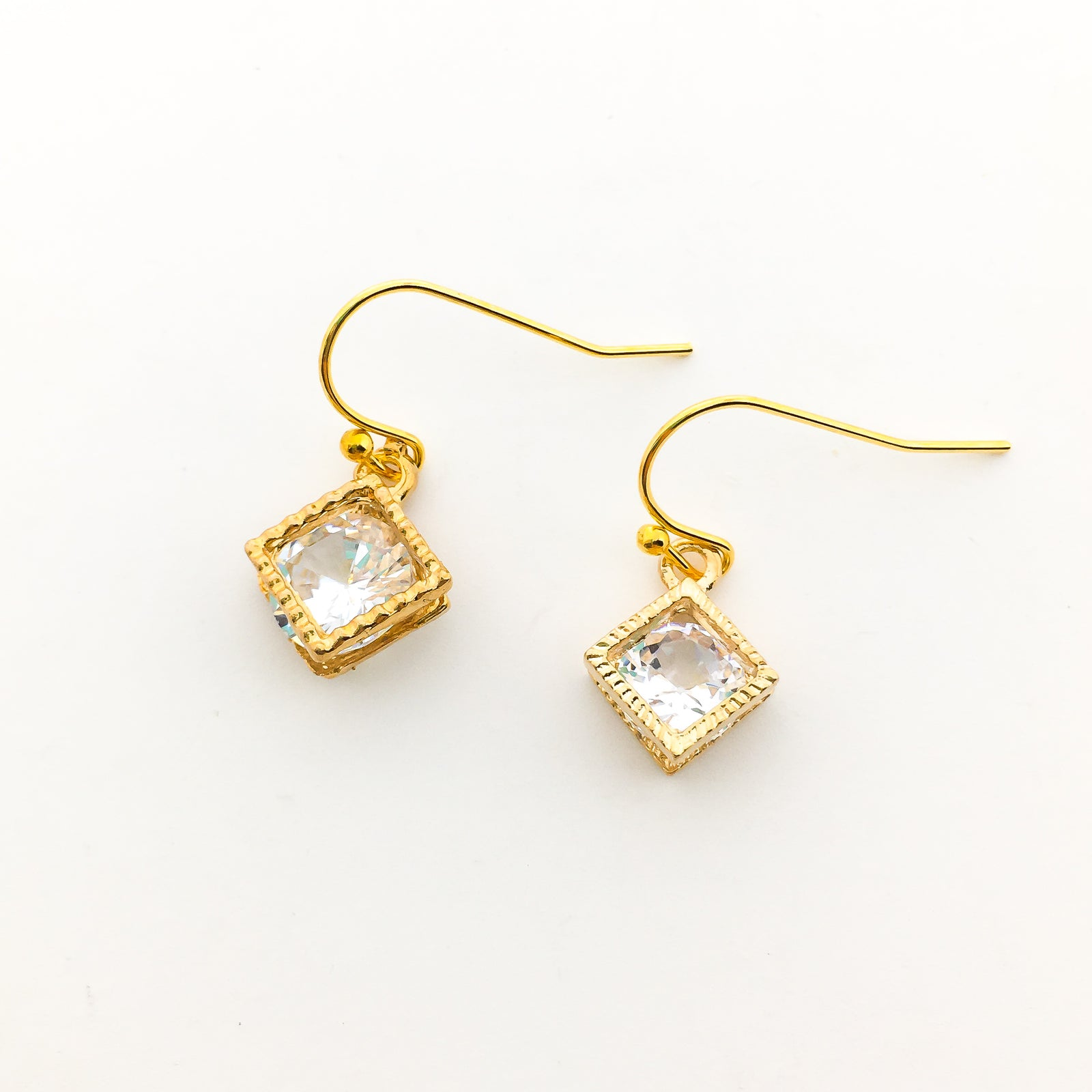 HANGING CRYSTAL EARRINGS | GOLD | STYLE OPTIONS