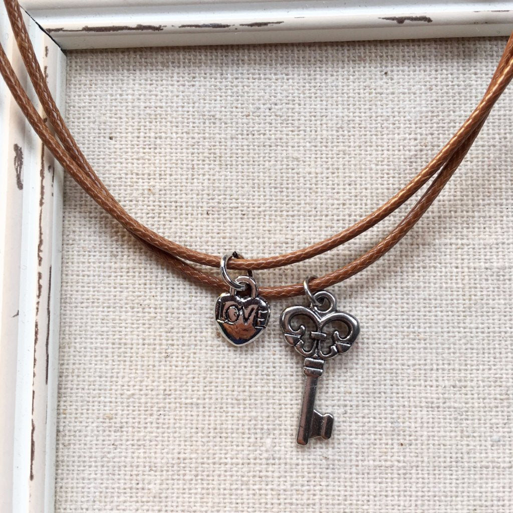 KEY TO LOVE LEATHER NECKLACE | TAN