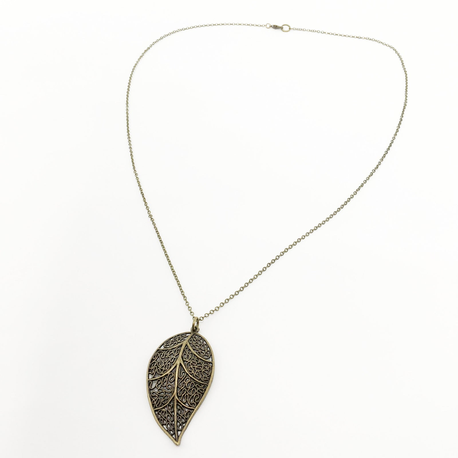 LILAC'S LEAF NECKLACE | BRONZE