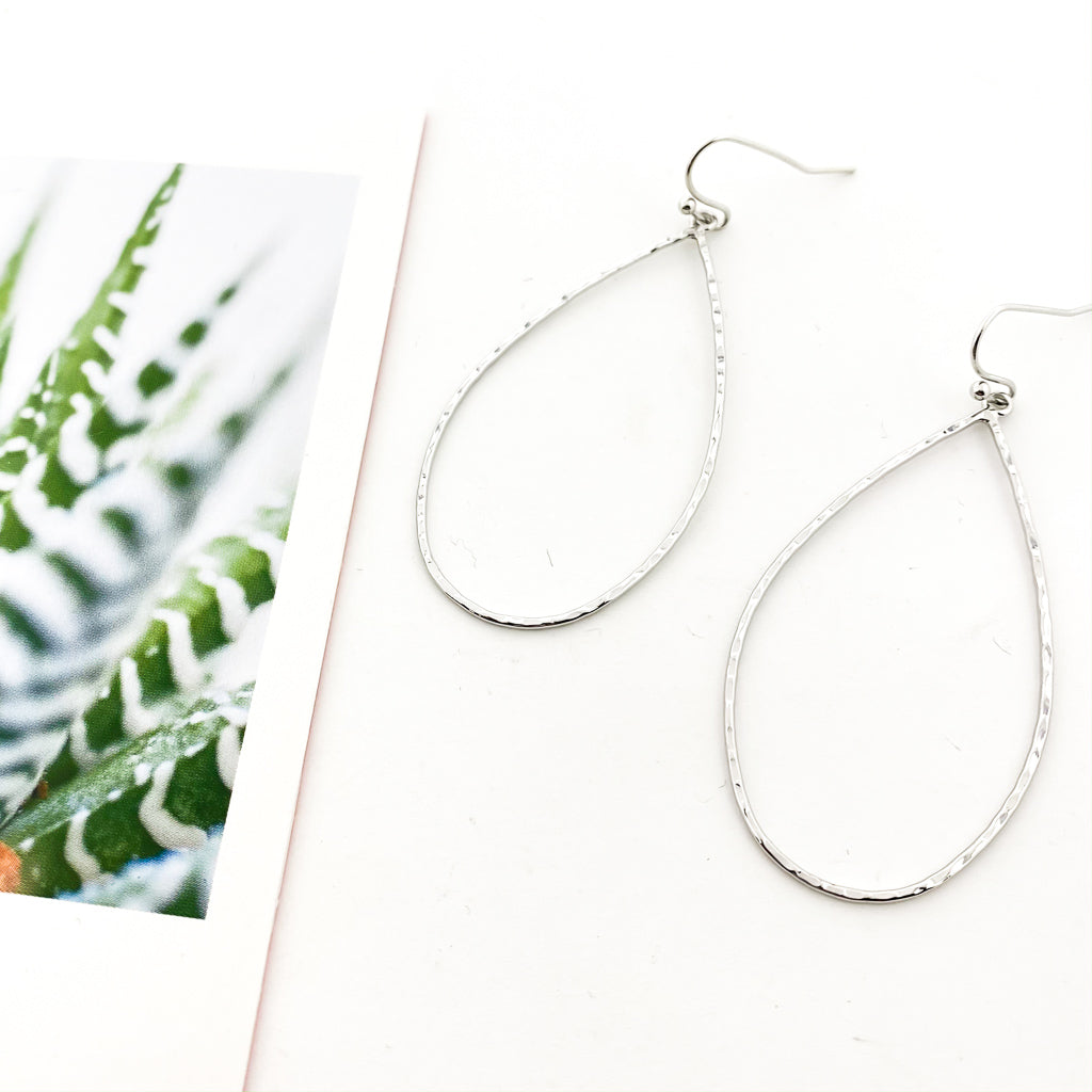 TWISTED HAMMERED LARGE DROP EARRINGS | RHODIUM PLATED