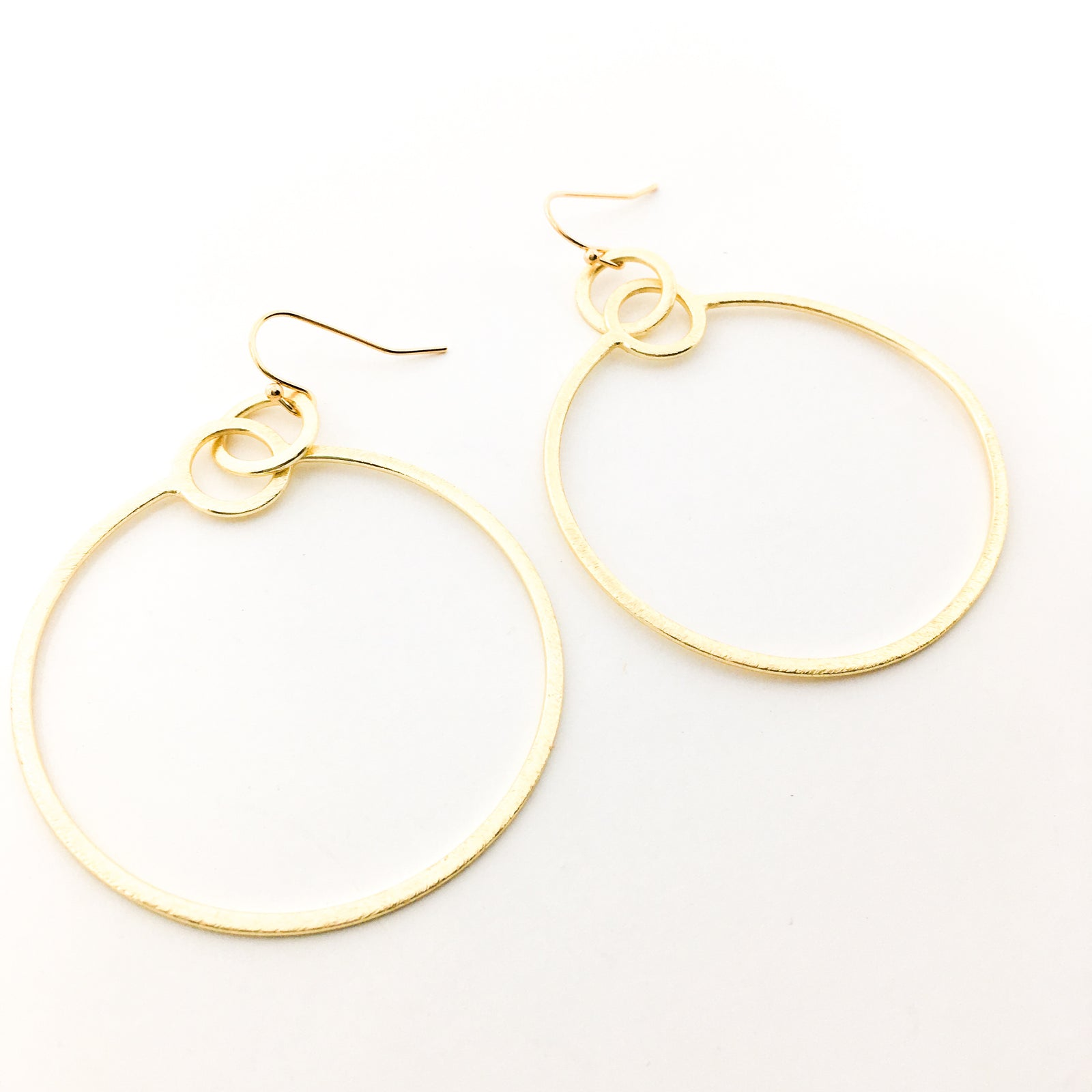 BRUSHED HANGING HOOPS EARRINGS | 14K GOLD-FILLED