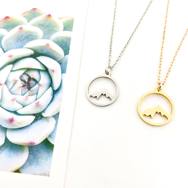 CIRCLE MOUNTAIN NECKLACE | SMALL | STYLE OPTIONS