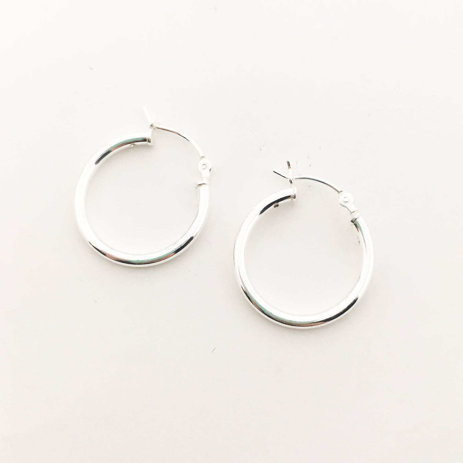 THICK HOLLOW HOOPS | STERLING SILVER