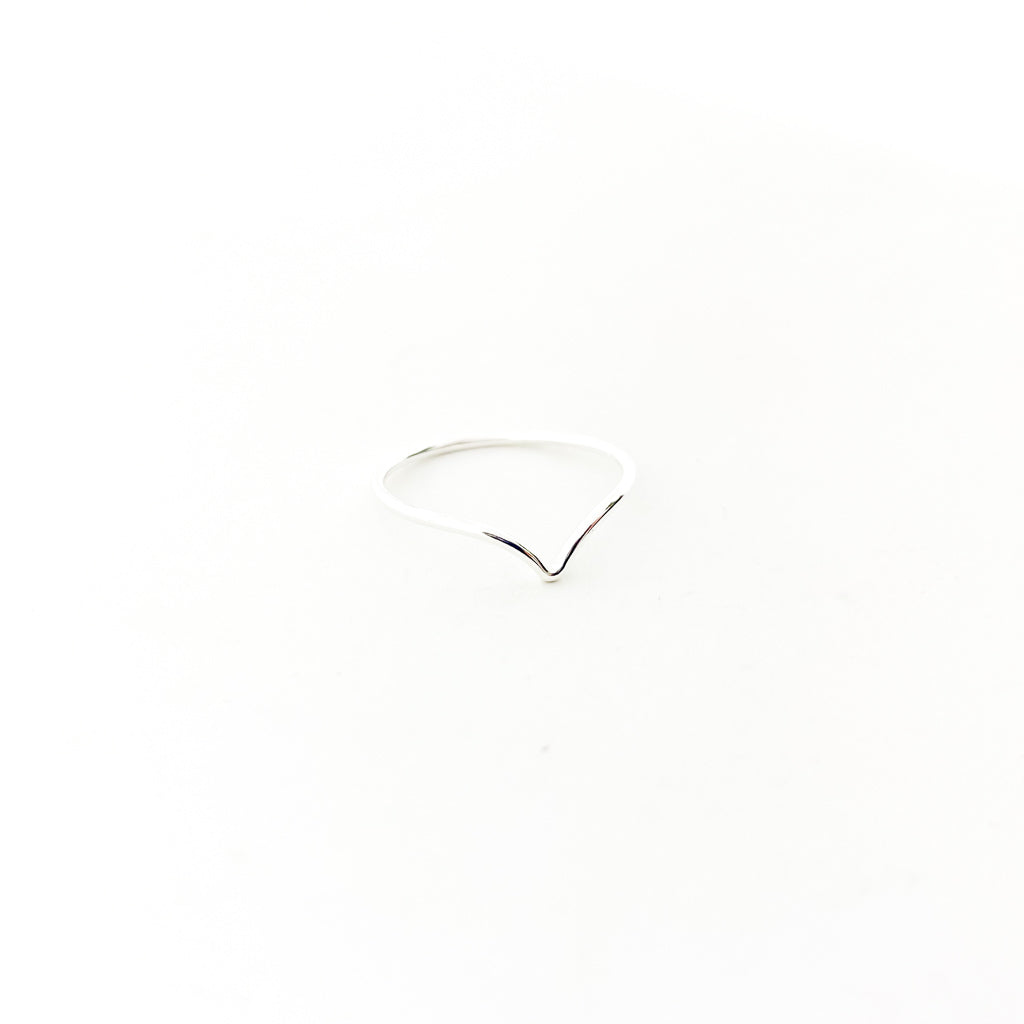 SMALL V-SHAPE RING | STERLING SILVER