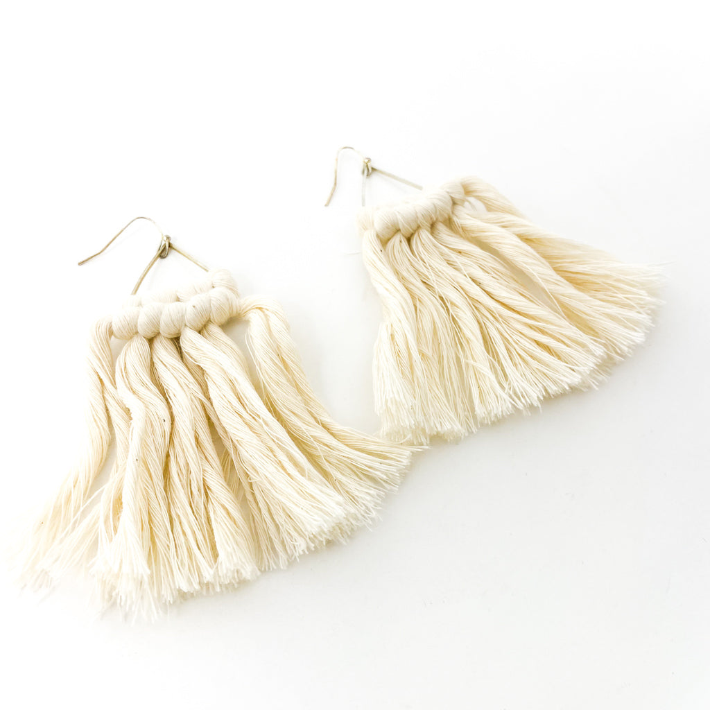 HAND TIED MACRAME EARRINGS | CREAM & SILVER