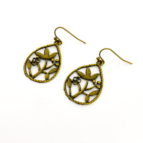 EDGED HOOP EARRINGS