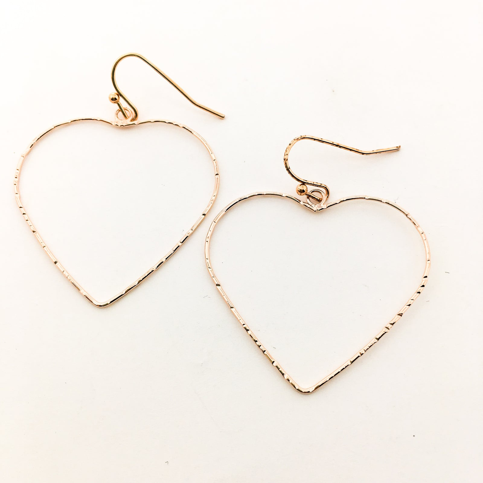 TWISTED LARGE HEART EARRINGS | ROSE GOLD