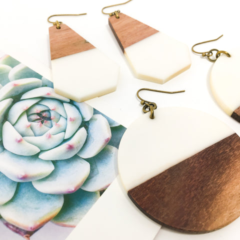 TRIANGLE WOOD DIFFUSER EARRINGS | BRONZE