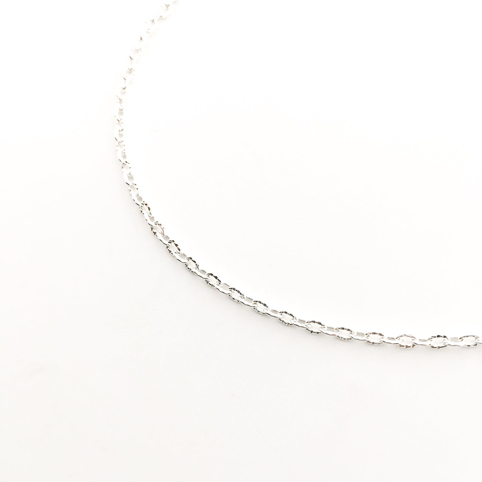 "TEXTURED BRIGHT SILVER 30"" NECKLACE"