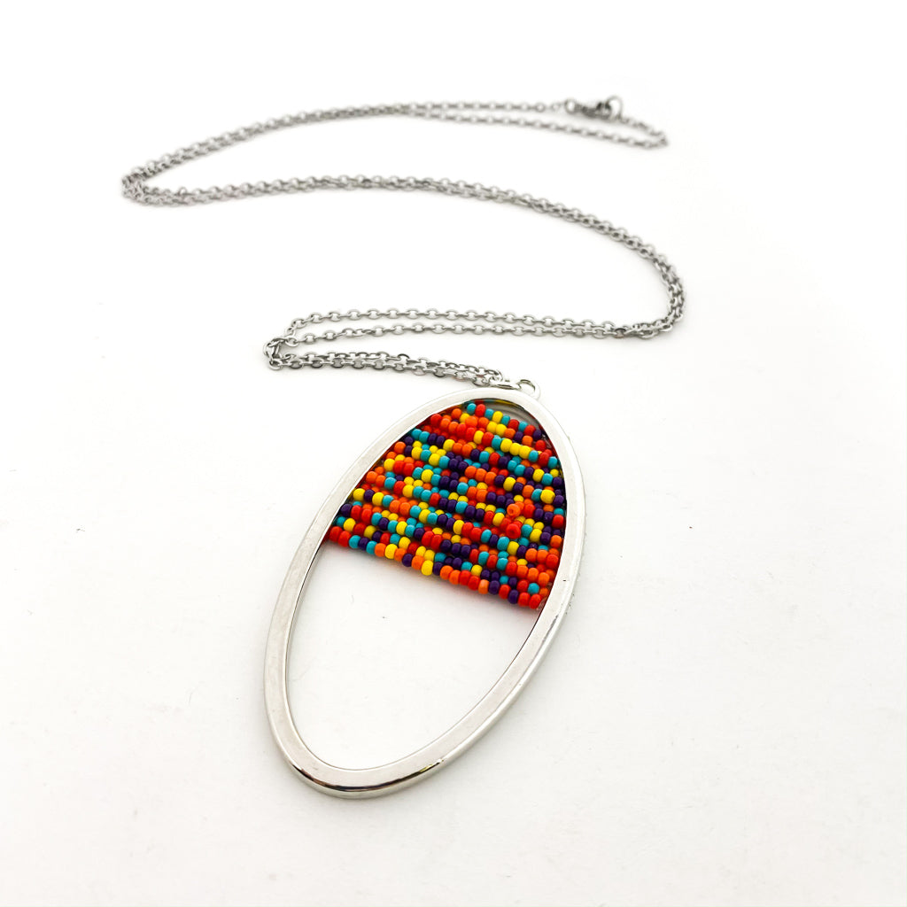 BEADED OVAL PENDANT LONG NECKLACE | SILVER | ASSORTED COLORS