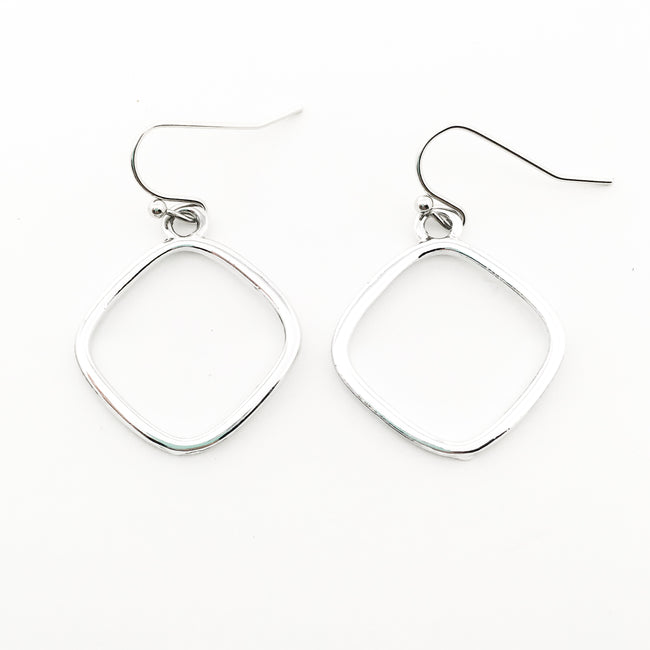 ROUND DIAMOND SHAPE EARRINGS | SILVER