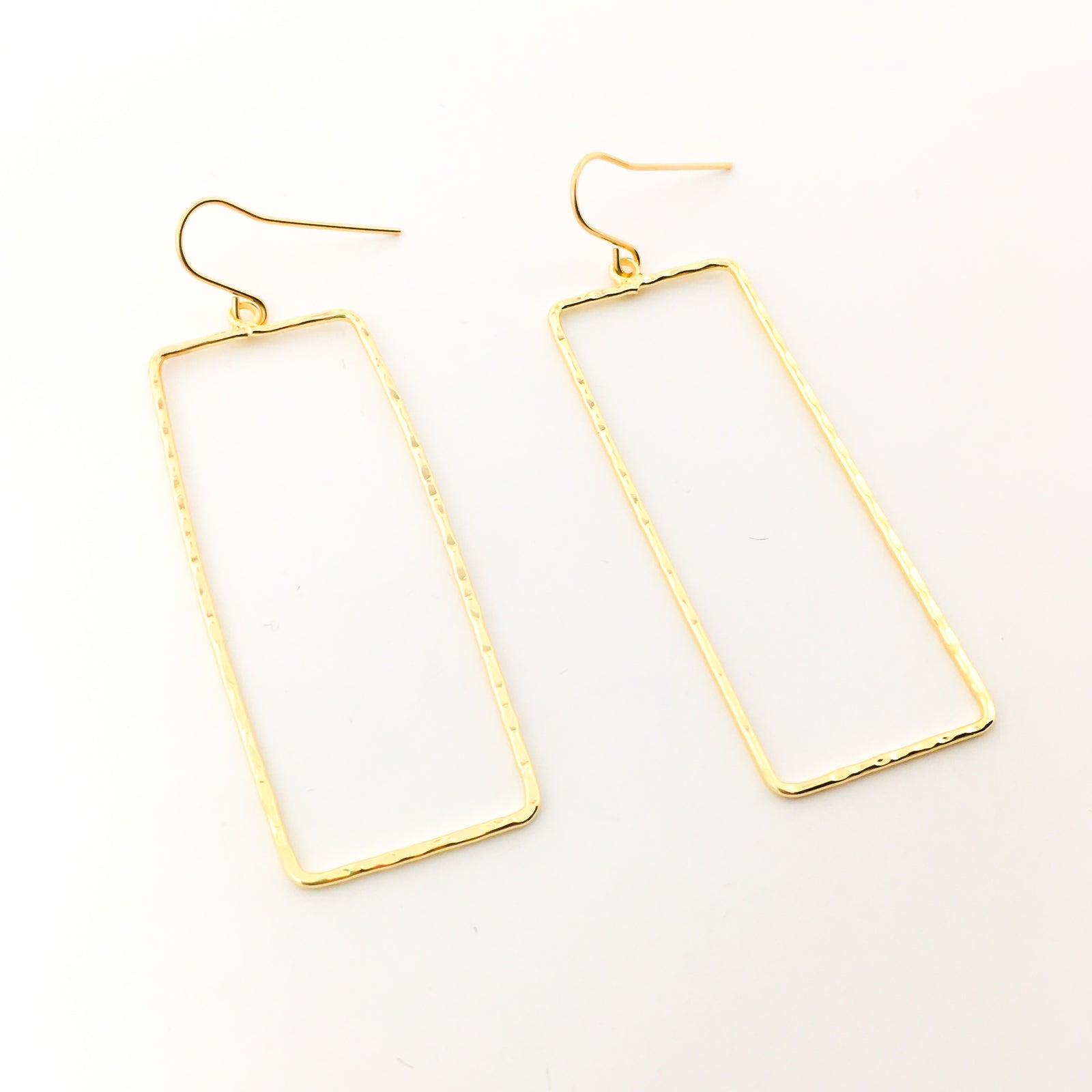 TWISTED HAMMERED RECTANGLE EARRINGS | 14K GOLD-FILLED