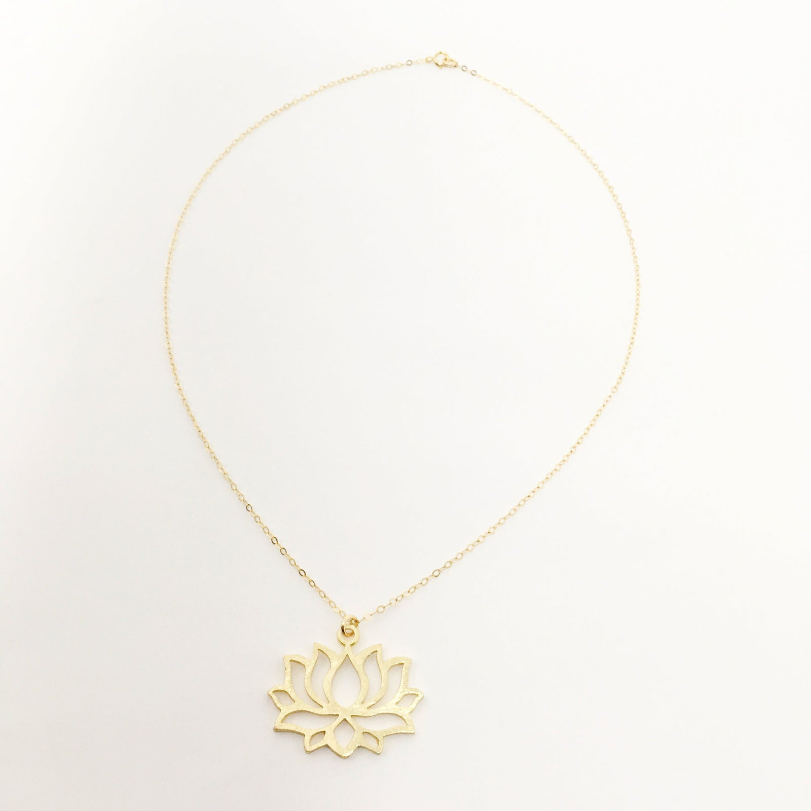 14K GOLD-FILLED BRUSHED LILY NECKLACE