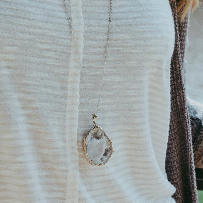 "CRYSTAL DRUZY CAVE NECKLACE | SNOW | SILVER 30"" CHAIN"