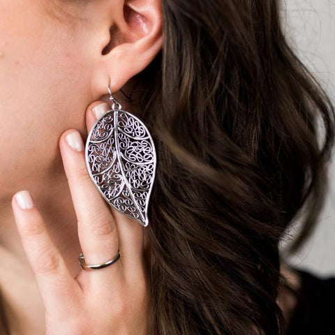 FILIGREE FLOWER DISK EARRINGS