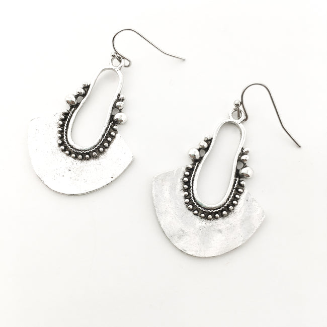 TRIBAL CHIC SILVER EARRINGS
