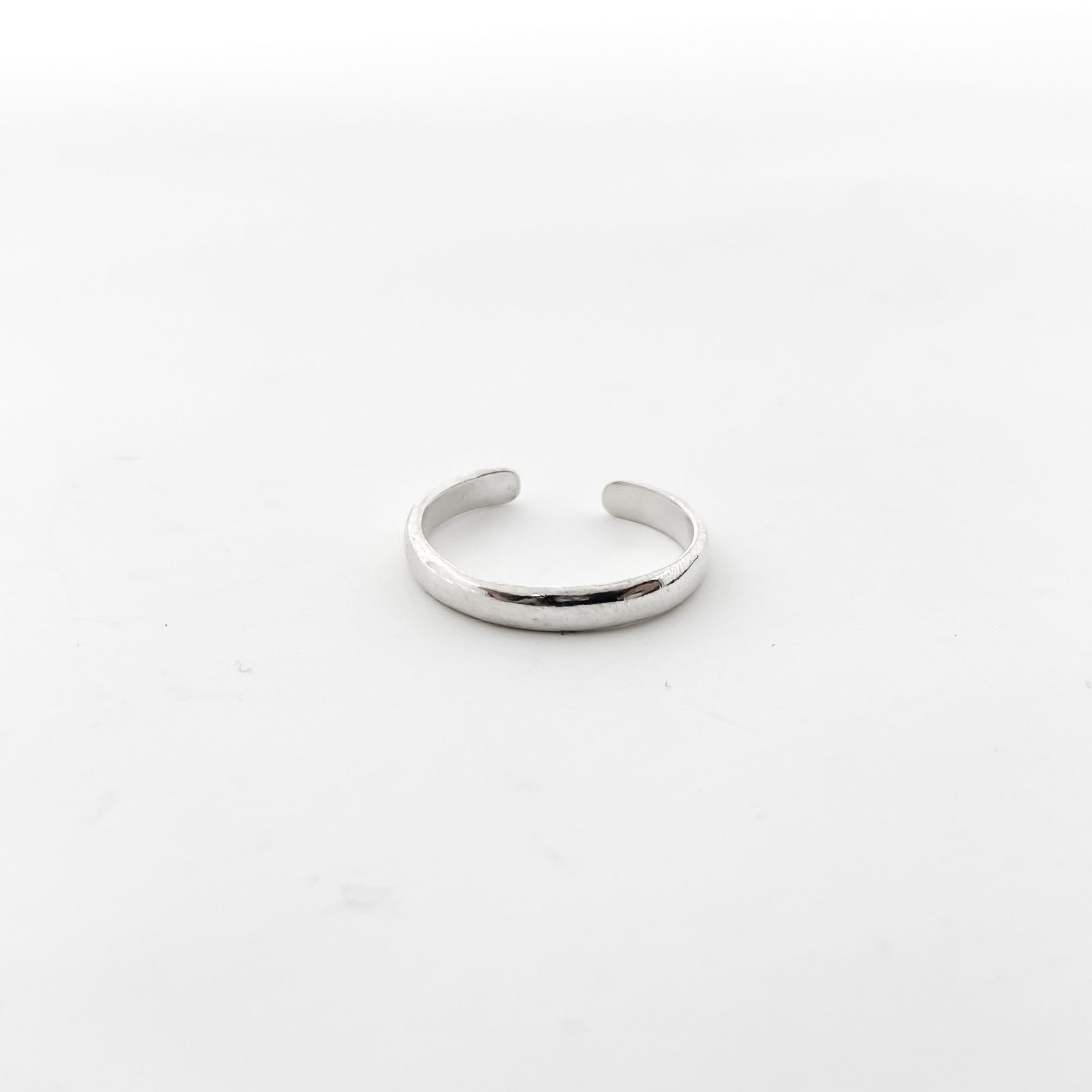 SMOOTH BAND TOE RING | STERLING SILVER | ADJUSTABLE