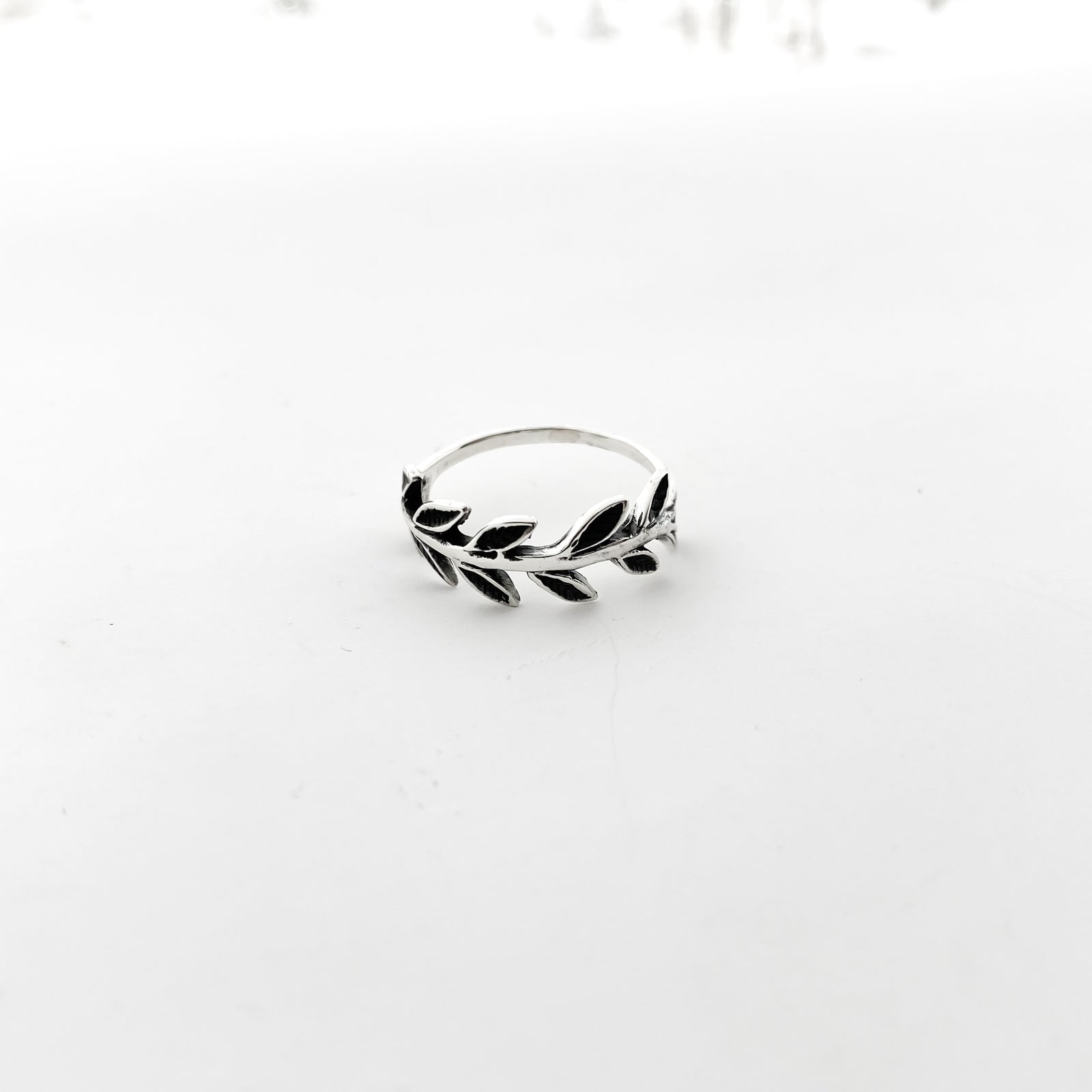 LAUREL WREATH RING | STERLING SILVER | SIZE OPTIONS