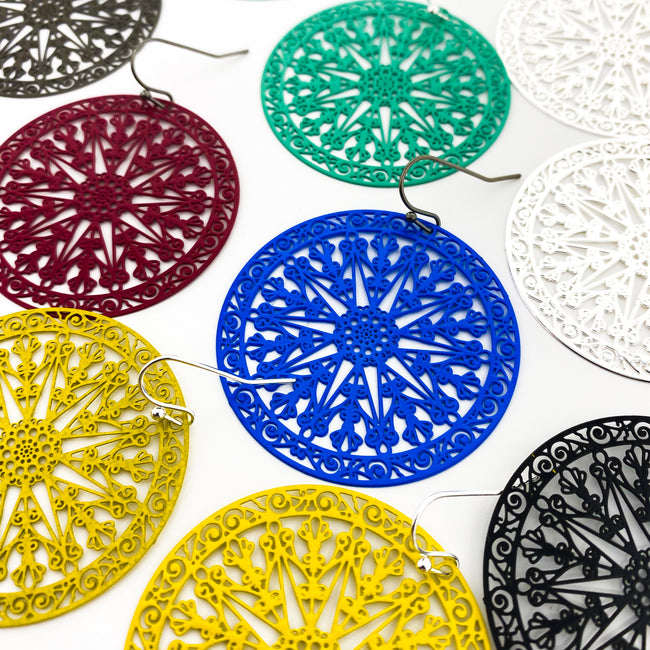 PATTERN FILIGREE DISC EARRINGS | STYLE OPTIONS