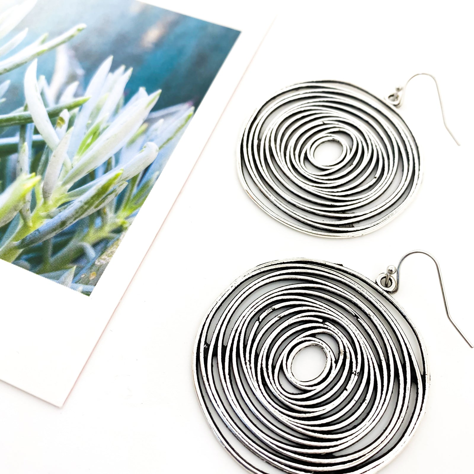 SPIRAL LARGE SPHERE EARRINGS | SILVER