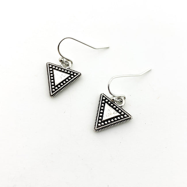 MINI DOTTED TRANGLE EARRINGS | SILVER