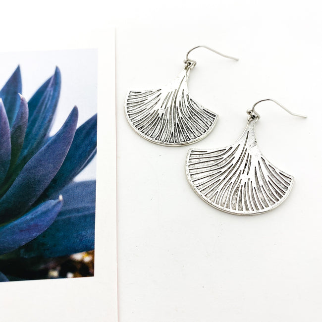 FLIRTY FAN EARRINGS | SILVER