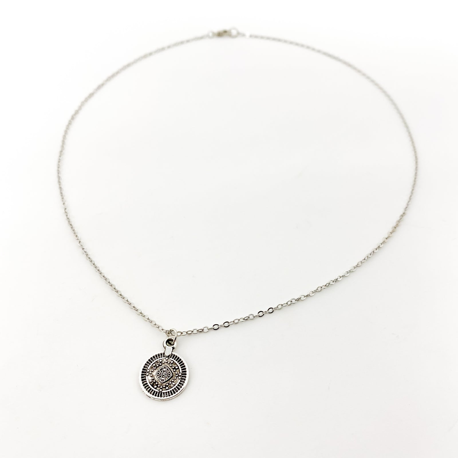MINI MEDALLION PENDANT NECKLACE | SILVER