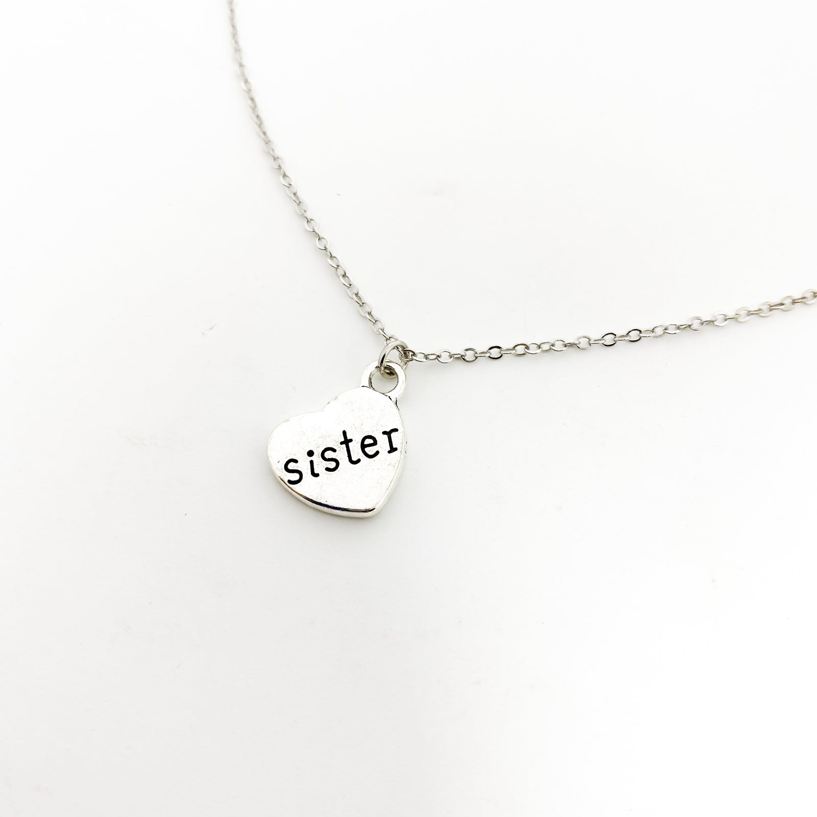 LOVED SISTER NECKLACE | SILVER
